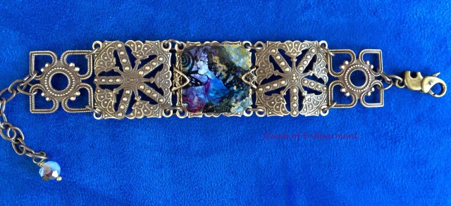Searching Woman Bracelet