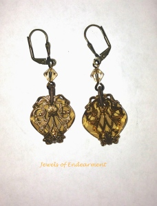 Regency Magic Earrings in Golden Shawdow